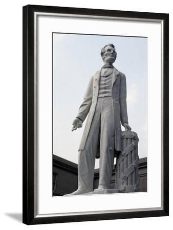 Monument to US President Abraham Lincoln--Framed Giclee Print