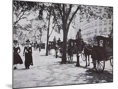 New York Sidewalk, Early 1900s--Mounted Photographic Print