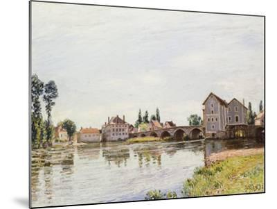 The Loing Below the Pont De Moret, 1892-Alfred Sisley-Mounted Giclee Print