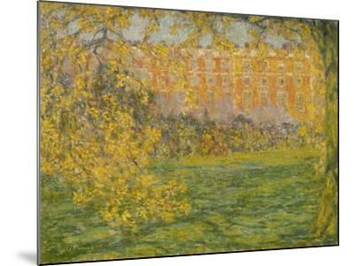 Autumn, Hampton Court; Automne, Hampton Court, 1908-Henri Eugene Augustin Le Sidaner-Mounted Giclee Print