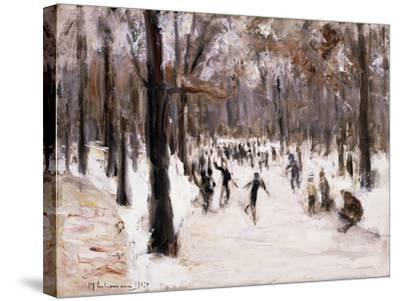 Skaters in the Tiergarten, Berlin; Eislaufer Im Berliner Tiergarten, 1924-Max Liebermann-Stretched Canvas Print