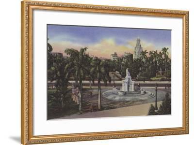 Parque Fraternidad, Estatua De La India, Fraternity Park, India Statue--Framed Photographic Print