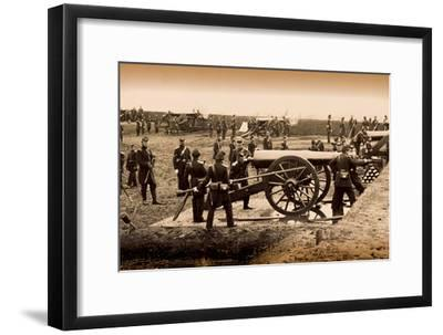 1st Connecticut Heavy Artillery Manning Guns in Fort Richardson, Late 1861--Framed Photographic Print