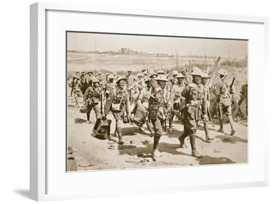 Australian Machine-Gunners Returning from the Trenches, 1916--Framed Photographic Print