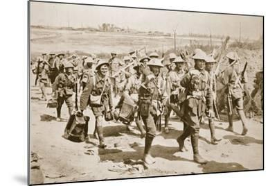 Australian Machine-Gunners Returning from the Trenches, 1916--Mounted Photographic Print