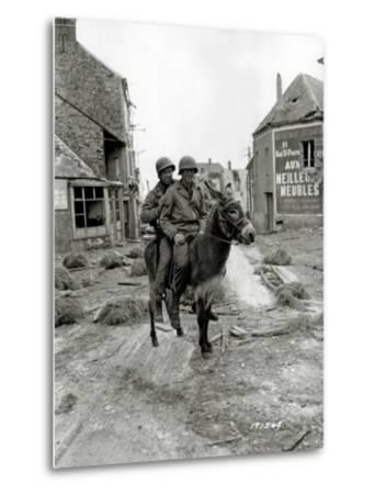Two U.S. Soldiers, Pfc William Jackson and T4 Joseph King--Metal Print