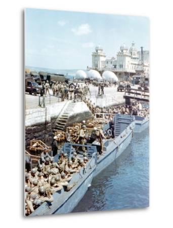 United States Army Troops Boarding a Landing Craft Infantry--Metal Print