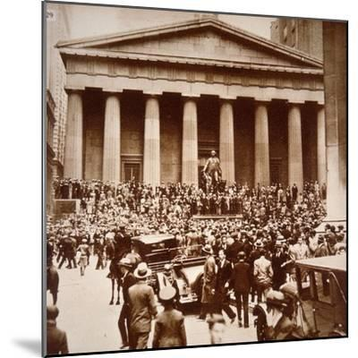 Scene of Panic in Wall Street, New York, 24th October 1929--Mounted Photographic Print