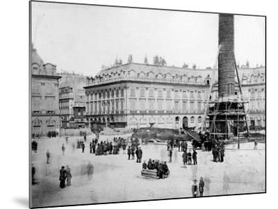 The Vendôme Column One Hour before Destruction, 16th May 1871--Mounted Photographic Print