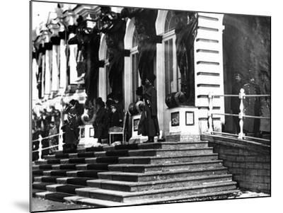 The Russian Imperial Family on the Steps of Catherine Palace, C.1912--Mounted Photographic Print