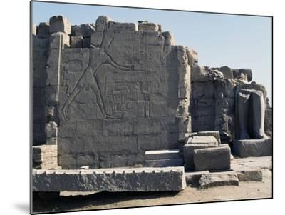 Thutmose III Imprisoning the Hittites, Relief, Rear of the Seventh Pylon, Karnak Temple Complex--Mounted Photographic Print