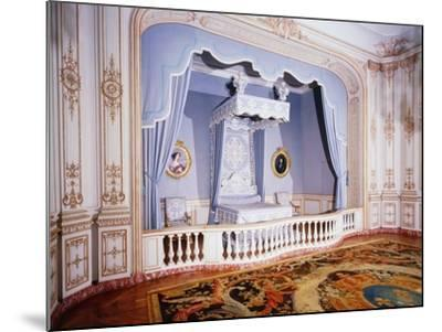 France, Loire Valley, Louis Xiv's Official Bedchamber in Chateau De Chambord--Mounted Photographic Print