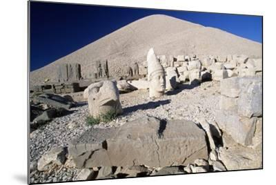 Colossal Heads and Tumulus of King Antioch I of Commagene, West Terrace, Nemrut Dagi--Mounted Photographic Print