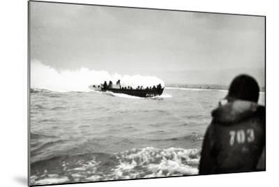 U.S. Landing Craft Approaching Omaha Beach, Normandy, France, 6th June 1944--Mounted Photographic Print