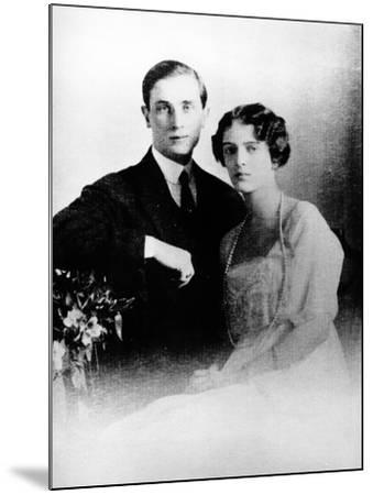 Prince Felix Yusupov and His Wife Princess Irina Alexandrovna of Russia, 1913--Mounted Photographic Print