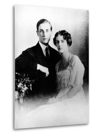 Prince Felix Yusupov and His Wife Princess Irina Alexandrovna of Russia, 1913--Metal Print
