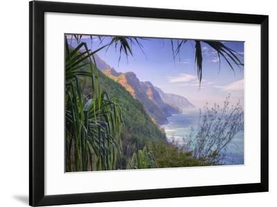 The Magnificent Na Pali Coast, Kauai Hawaii-Vincent James-Framed Photographic Print