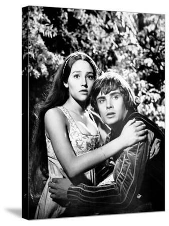 Romeo and Juliet--Stretched Canvas Print