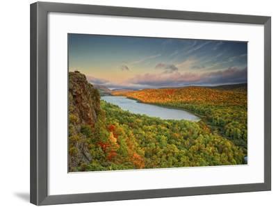 Michigan, Upper Peninsula. Sunset at Lake of the Clouds-Petr Bednarik-Framed Photographic Print