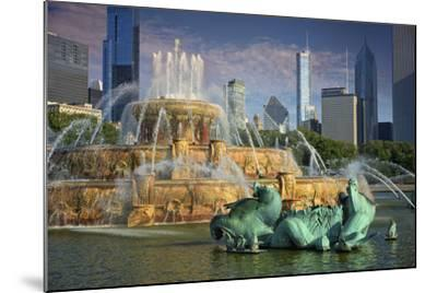 USA, ILlinois, Chicago, Buckingham Fountain in Downtown Chicago-Petr Bednarik-Mounted Photographic Print