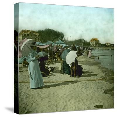 View of the Beach, Le Pouliguen (Loire-Atlantique, France), around 1900-Leon, Levy et Fils-Stretched Canvas Print