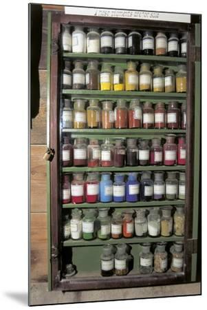 Production of Colour Pigments--Mounted Photographic Print