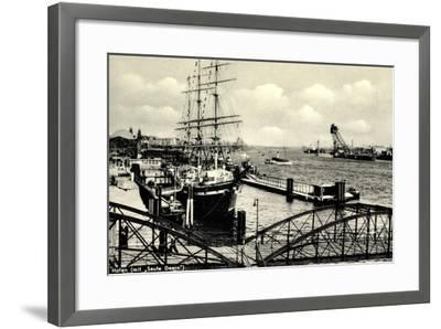 Hamburg, Hafen, Angelegtes Segelschiff Seute Deern--Framed Giclee Print