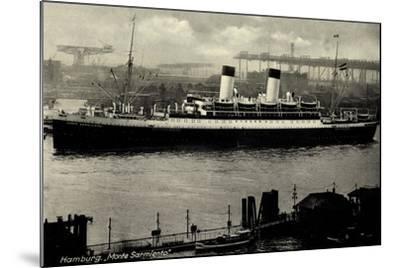 Hamburg, HSDG, Dampfschiff Monte Sarmiento, Hafen--Mounted Giclee Print