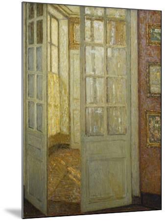 Intimite Rose Et Or, Versailles, 1930-Henri Eugene Augustin Le Sidaner-Mounted Giclee Print