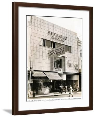 Seybold Building, 1st and Flagler Street, Miami, 20 April 1941--Framed Photographic Print