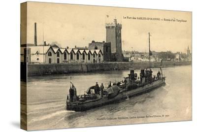 Le Port Des Sables D'Olonne, Entrée D'Un Torpilleur--Stretched Canvas Print