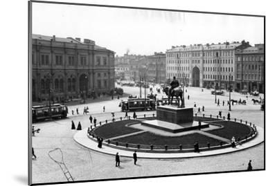Znamemskaya Square, St Petersburg, C.1910--Mounted Photographic Print