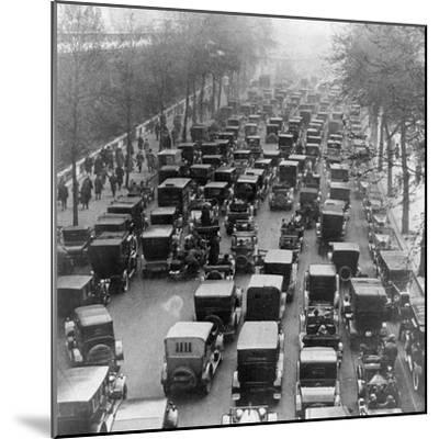 The Great Trek to Work During the General Strike: the Embankment--Mounted Photographic Print