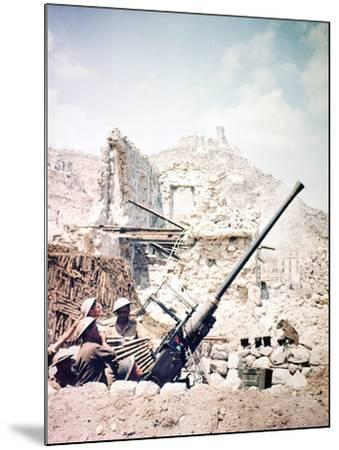 British Soldiers with a Bofors 40MM Anti-Aircraft Gun Below Monte Cassino, Italy, April 1944--Mounted Photographic Print