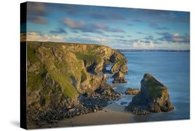 Sunset over the Bedruthan Steps Along the Cornwall Coast, England-Brian Jannsen-Stretched Canvas Print