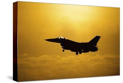 An F-16 Fighting Falcon Comes in for Landing--Stretched Canvas Print