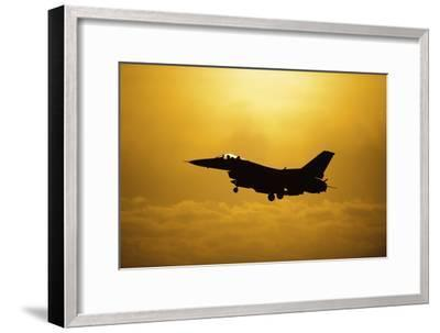 An F-16 Fighting Falcon Comes in for Landing--Framed Photographic Print