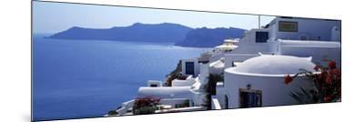 Town on an Island, Oia, Santorini, Cyclades Islands, Greece--Mounted Photographic Print