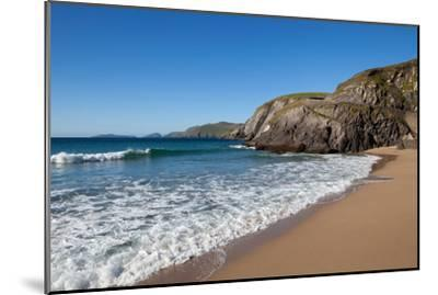 Coumeenoole Beach; Slea Head; Dingle Peninsula; County Kerry; Ireland--Mounted Photographic Print