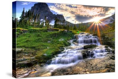 Glacier National Park, Montana - Mt. Reynolds and Sun Rays-Lantern Press-Stretched Canvas Print