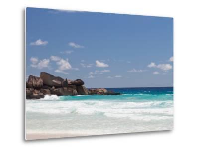 Beach with Large Stones-dizainera-Metal Print
