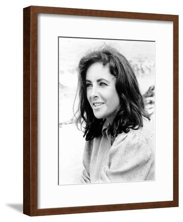 The Sandpiper, Elizabeth Taylor, 1965--Framed Photo
