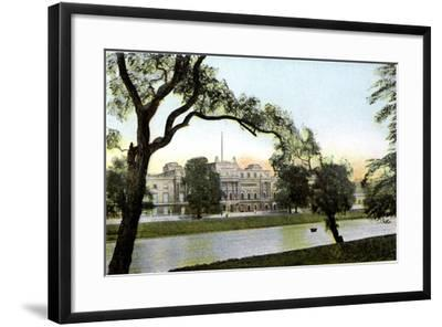Buckingham Palace, London, 20th Century--Framed Giclee Print