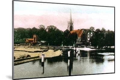 The River Thames at Marlow, Buckinghamshire, 1926--Mounted Giclee Print