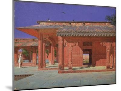 Courtyard of the Harem in the Fatehpur Sikri Imperial Palace, 1874-1876-Vasili Vasilyevich Vereshchagin-Mounted Giclee Print
