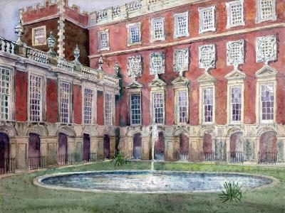 Fountain at Hampton Court Palace--Giclee Print