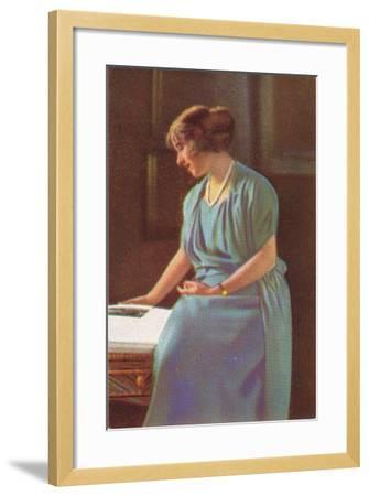 Lady Elizabeth Bowes-Lyons (1900-200)--Framed Giclee Print