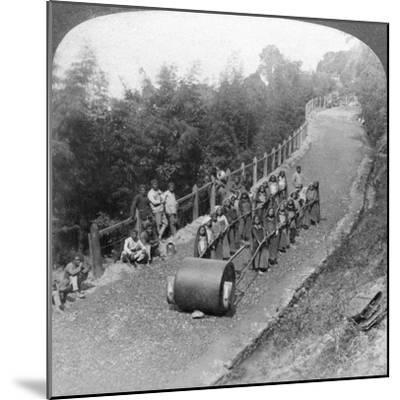 A Woman Work Team on the Darjeeling Highway, India, 1903-Underwood & Underwood-Mounted Giclee Print