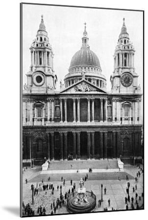 St Paul's Cathedral, London, Early 20th Century--Mounted Giclee Print