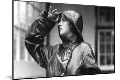 Gladys Cooper (1888-197), English Actress, 1900s--Mounted Giclee Print